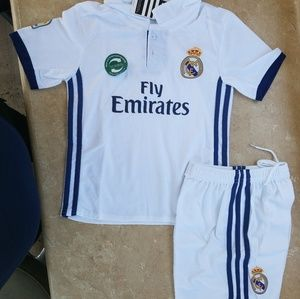 Other - REAL MADRID KIT SET
